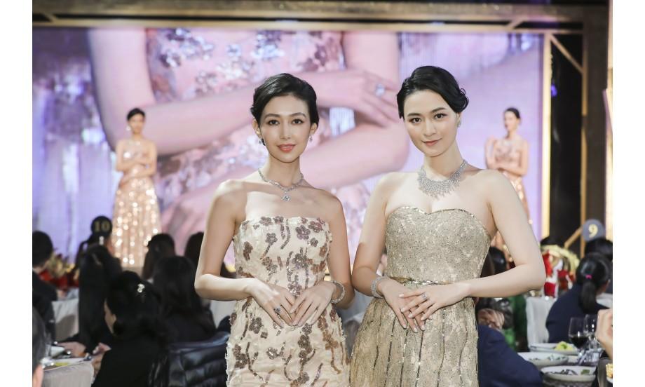 大會更安排了6位模特兒親身演繹「ARTRIUM 周大福藝堂」、Hearts On Fire以及周大福名貴珠寶首飾,總值超過港幣5千萬元。